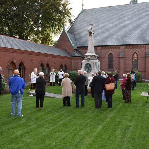 gallery-CemeteryDedication-28