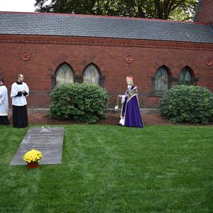 gallery-CemeteryDedication-49