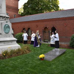 gallery-CemeteryDedication-50